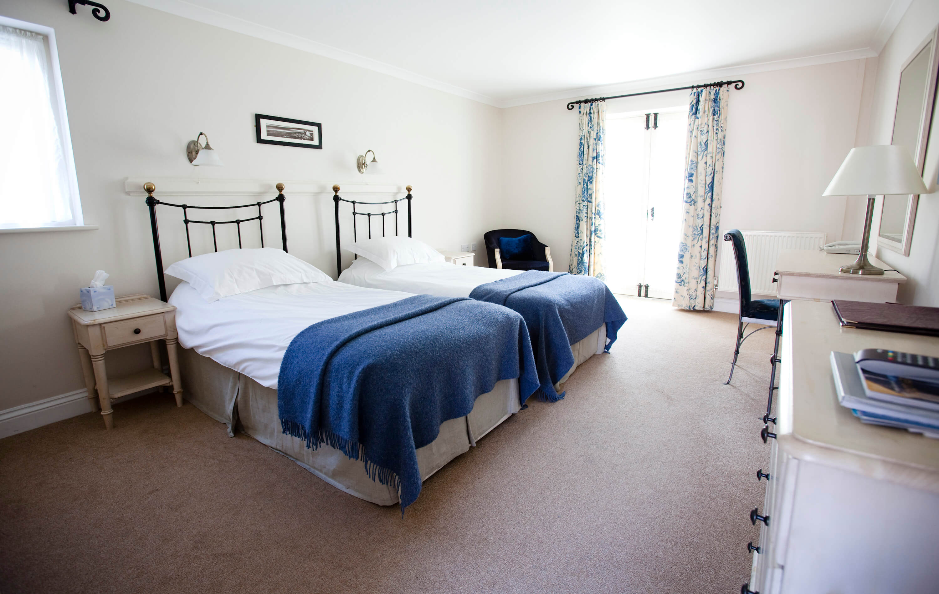 twin room hotel Gower