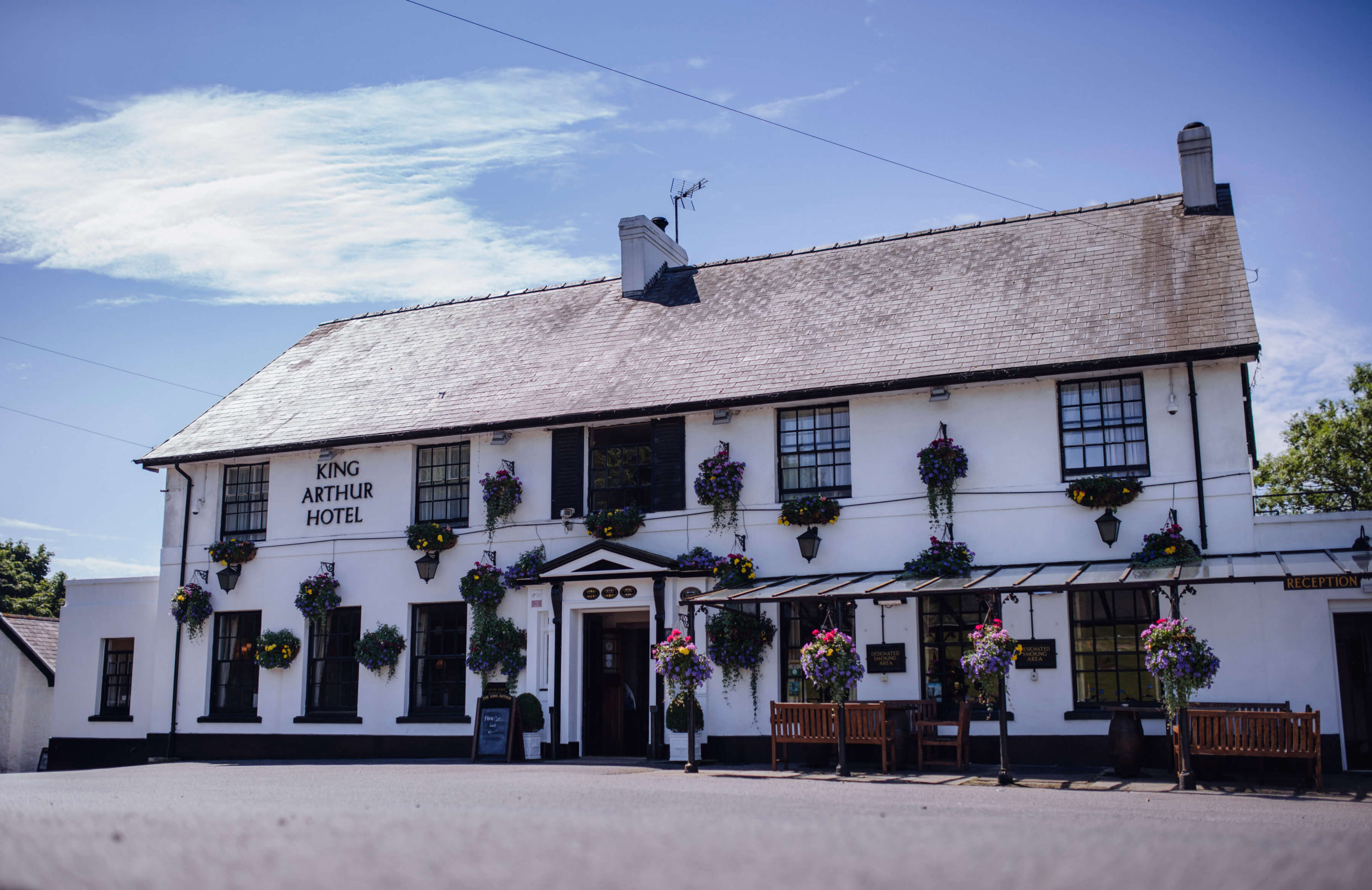 South wales holiday cottages and hotel